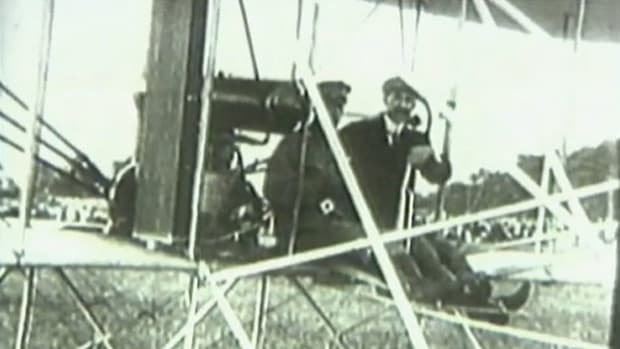 In the early 20th century, the age of aviation took flight with airplanes invented by Orville and Wilbur Wright. Watch history in the making with footage of a 1909 test flight.