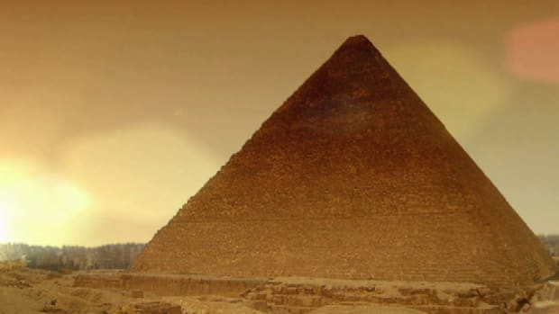 Did you know that the Great Pyramid of Giza weighs 6.5 million tons? Get the facts on what makes this ancient wonder a true architectural marvel.