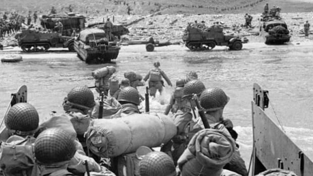 Los Angeles Times war correspondent Tom Treanor recounts his firsthand experience landing on the beach at Normandy on D-Day, June 6, 1944.