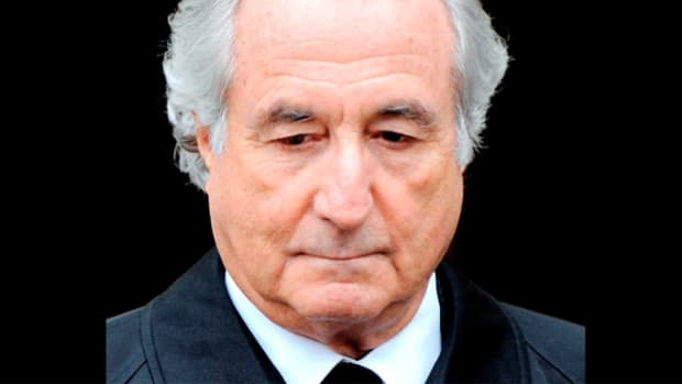 "On December 12, 2008, ABC News' Chris Cuomo reports on the previous day's arrest of financial adviser Bernard ""Bernie"" Madoff, who was accused of running the largest Ponzi scheme in U.S. history. Convicted on June 29, 2009, Madoff was sentenced to 150 years in prison."