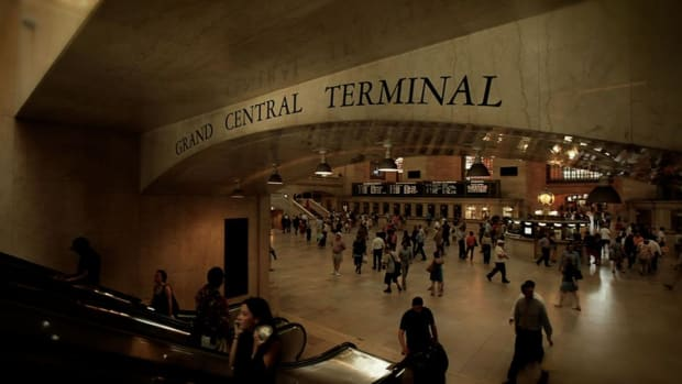 Did you know that there is a clock in the middle of Grand Central worth $20 million? Host Brian Unger reveals the hidden history of Grand Central Terminal.