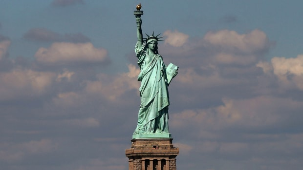 This Day In History takes us back to June 17th 1885, when the world's largest immigrant came to the United States shore's. Learn how we came to have the Statue of Liberty. France gave the U.S. this as a gift and it is a symbol of freedom. Find out some interesting facts about lady liberty and see it all here in this educational clip.