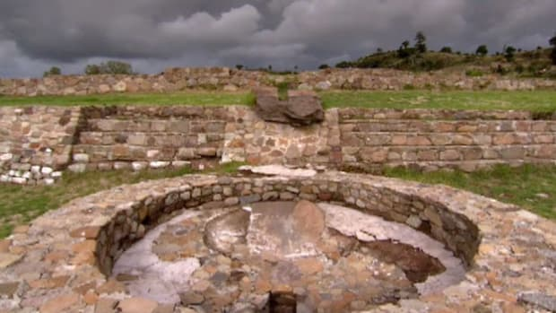 The Aztecs built an expansive system of aqueducts that supplied water for irrigation and bathing.