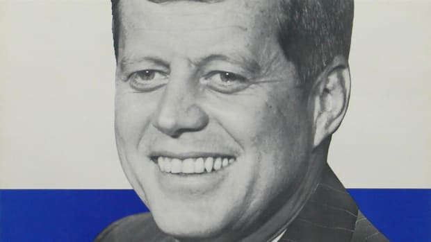 This 1960 campaign spot makes use of JFK's relative youth and a repetitious jingle.