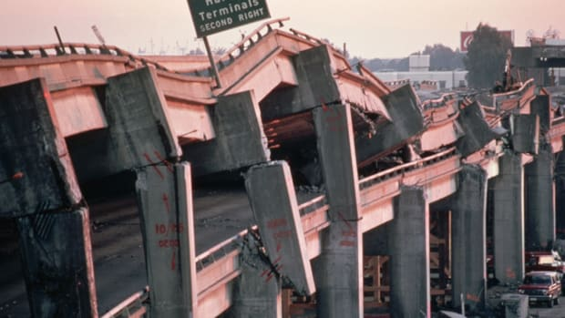 Find out how our national pastime may have saved lives during the San Francisco Bay Area's deadly earthquake of 1989.