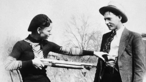 In this This Day in History video, take a look at May 23, the day in 1934 when police finally caught up to Bonnie and Clyde and killed them. In 1701, Captain William Kidd was hanged in London for piracy and murder.