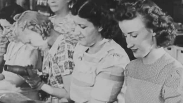 This 1944 American propaganda film imagine's Hitler's surrender and explains the Füher's greatest mistake – his underestimation of American women. This episode of Flashback shows how female wartime workers were an indispensable part of America's victory, even before the war was officially won.