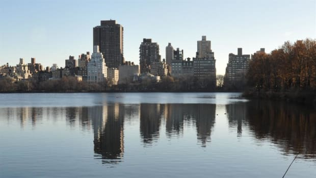 Explore the fascinating history and the engineering genius of New York City's water supply reservoir and aqueduct system built to accommodate the rapid growth of the city at the turn of the 20th century.