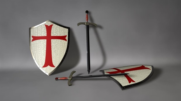 See how the Knights Templar built fortified palaces to defend the holy land.