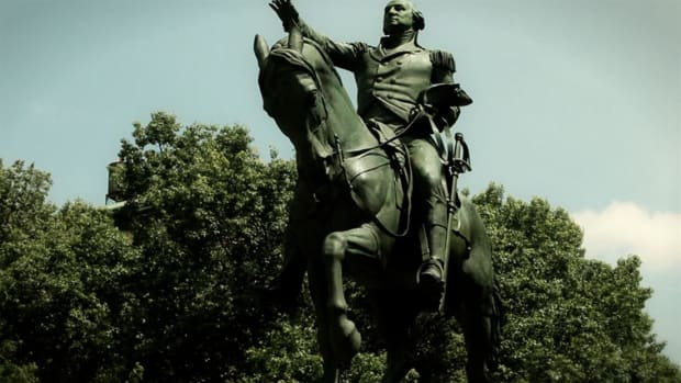Did you know George Washington once rallied his troops at Union Square?  Host Brian Unger reveals the hidden history of Union Square Park.