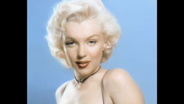 "In an August 18, 1962, press conference, the Los Angeles County medical examiner pronounces ""probable suicide"" as the cause of death of screen star Marilyn Monroe, who died of a drug overdose on August 5 at the age of 36."