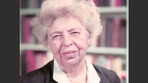 An outspoken first lady and delegate to the United Nations, Eleanor Roosevelt examines how to promote peace in the world.