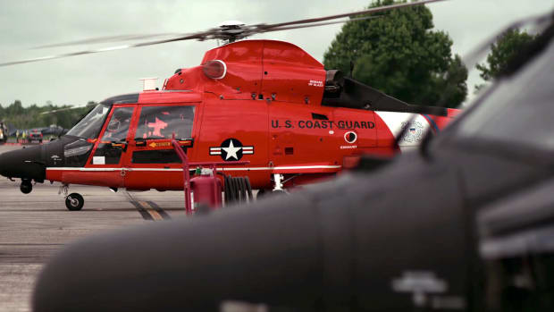 U.S. Coast Guard rescue swimmer Laurence Nettles describes helicopter rescues and details how the Coast Guard prepared for Hurricane Katrina.