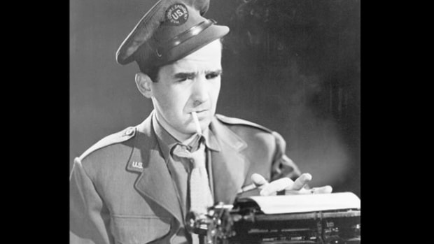 In his weekly Hear It Now radio program on January 5, 1951, Edward R. Murrow reports on the fall of Seoul to North Korea during the Korean War.