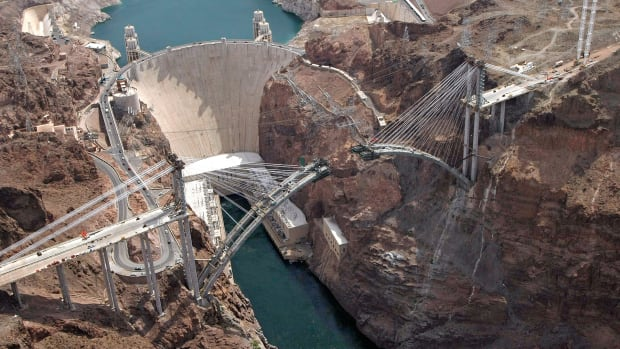 In a This Day in History video, learn that on July 7, 1930, construction began on the Hoover Dam. Twenty-thousand unemployed laborers happily took on the job, but it was a grueling and dangerous task between the scorching desert heat and constant dynamite blasts. When finished, Hoover was the largest dam in the world, standing 726 feet high.