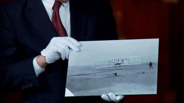 The Wright Brothers made the world's first powered flights. Check out their photos and journals and get an inside look at the men behind the legend.