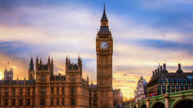 In this This Day in History video, take a look at May 31, the day in 1859 when the Big Ben clock tower was set up in St. Stephen's tower above the British House of Commons, and also the day in 1961 when South Africa became an independent republic and withdrew from the Commonwealth of Nations. In 2005 on this day, Mark Felt made himself known as the secret deep throat source in Watergate.