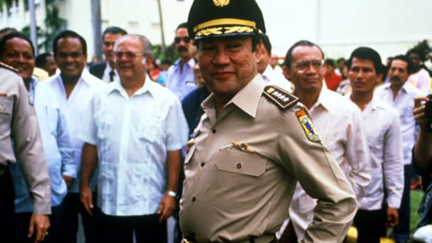 "Experts discuss the events leading up to the capture of Panamanian leader Manuel Noriega in this clip from ""America's War on Drugs."""