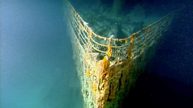 """When the """"unsinkable"""" ocean liner Titanic was lost after hitting an iceberg on April 15, 1912, lifeboats saved only 700 of her passengers. What did the 1,500 people who went down with the ship experience in the icy waters of the North Atlantic?"""