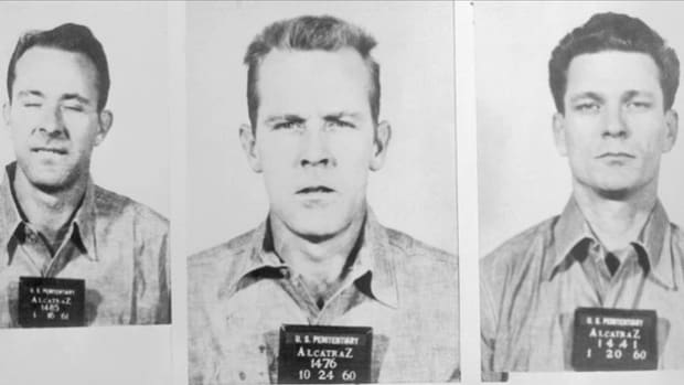 On June 11, 1962, Frank Morris and John and Clarence Anglin pulled off one of the greatest prison escapes in history when they dug their way out of Alcatraz. A Universal News report describes the daring venture.