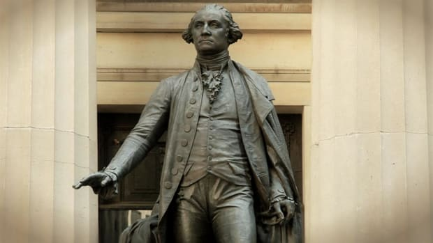 Did you know that George Washington was sworn in as president at Federal Hall?  Host Brian Unger reveals the hidden history of Federal Hall.