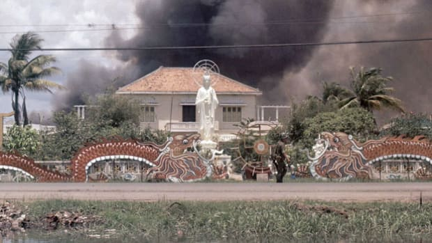 A war report describes an attack by the Viet Cong on the Presidential Palace. On January 30, 1968, the Viet Cong and North Vietnamese forces launched a massive surprise attack on key cities in South Vietnam. It was a major turning point in the war.