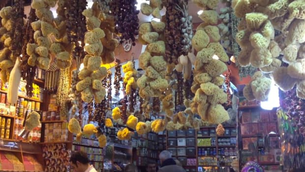 Dr. Libby O'Connell visits the Egyptian Spice Market in Istanbul.