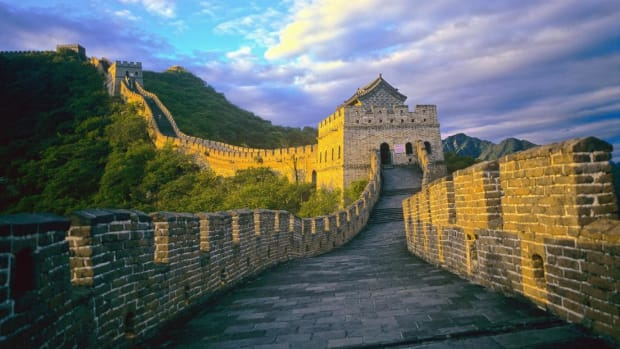 The Great Wall of China was constructed over several centuries and claimed the lives of thousands of builders.