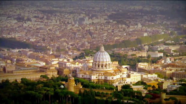 Did you know the Vatican is the smallest nation-state in the world? Get all the facts and figures.
