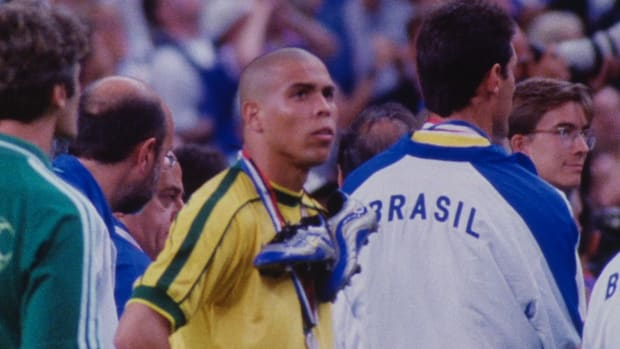 "The 1998 World Cup in France featured several high-profile players making memorable mistakes. Discover how David Beckham, Ronaldo and Zinedine Zidane ""melted down"" in France."