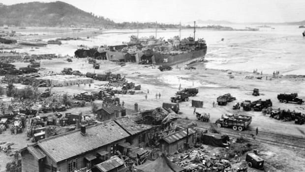 A September 14, 1950, a live report from the battlefield by combat correspondent Ens. Jack Seigal captures the U.S. Marines landing at Wolmi Do Island in Ichon Harbor, Korea.