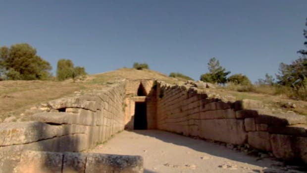 It's stunning architecture and great size leads archeologist to believe that this is the tomb of the king Agamemnon.
