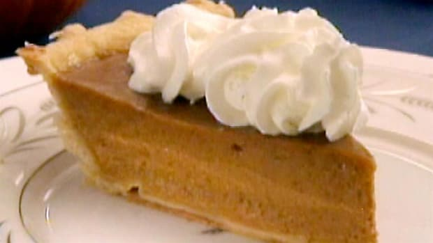The Little Pie company in New York City bakes over 5,000 pumpkin pies every Thanksgiving.
