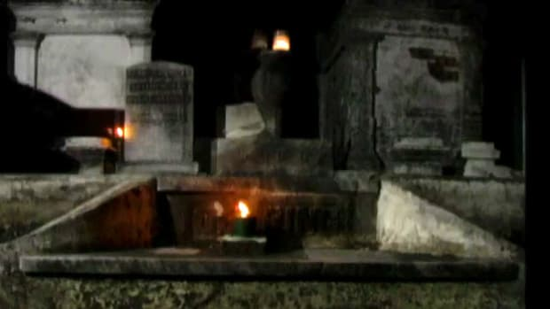In 1718 French settlers living in New Orleans grappled with the problem of floating corpses. In 1789 the Saint Louis Cemetery was created with above-ground tombs. Today it's both a final resting place and a unique tourist destination.