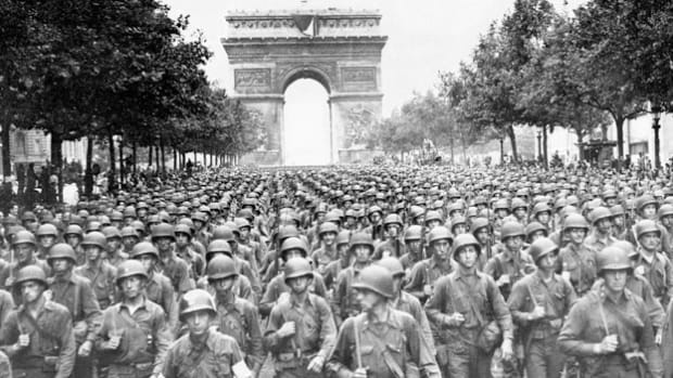 Street battles are heard in a live broadcast as American troops enter Paris, joining the Allied fight to liberate the city from German control. On August 25, 1944, after many days of fighting, Germany surrendered Paris to the Allied forces, ending four years of occupation.