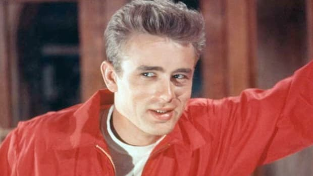 "On a break from shooting, movie legend James Dean is interviewed about his approach to acting. ""Rebel Without a Cause"" was released in 1955, less than a month after Dean's untimely death."