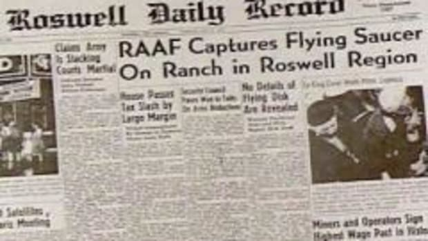In this UFO Sightings video clip: Roswell: A brief look at the Roswell UFO encounter, and the controversy around it. For over 60 years, the debate has raged on. What happened in Roswell? An alien encounter or a government cover-up? Get a closer look at Roswell.