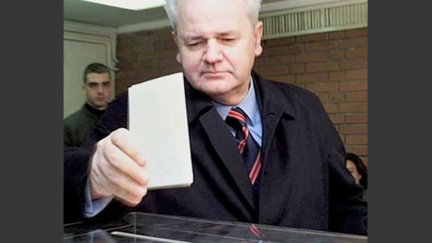 On September 24, 2000, Serbians and Montenegrins voted to elect the president of the Federal Republic of Yugoslavia. With the votes tallied, a news report relays the latest in the contested battle between Slobodan Milosevic and opposition candidate Vojislav Kostunica, both of whom claim victory.