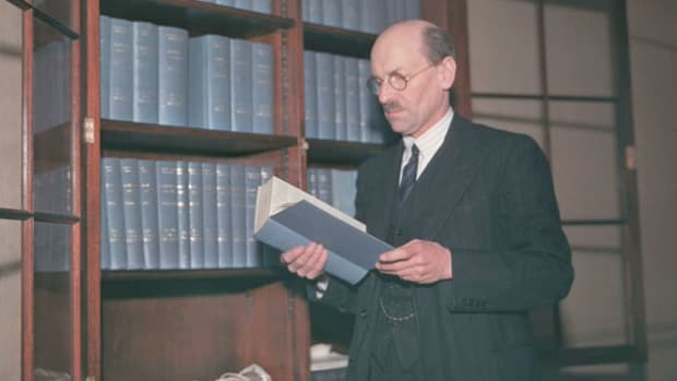 On January 6, 1950, the British government under Prime Minister Clement Attlee followed the USSR and several other nations in recognizing the new communist government of China. A news report provides details.