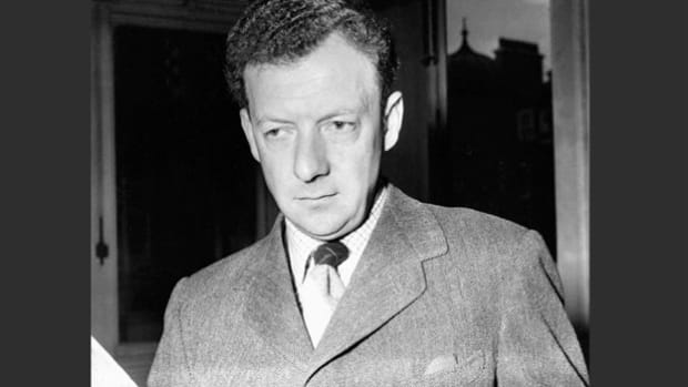 England's leading composer of the 20th century, Benjamin Britten, stresses his need to stay organized and adhere to a regular working schedule in order to accomplish his goals.