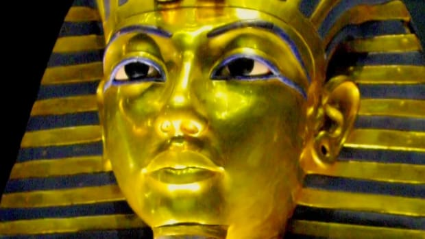 According to one theory, an accident caused the untimely death of teenage pharaoh King Tut. How might a broken leg have sent him to his tomb?