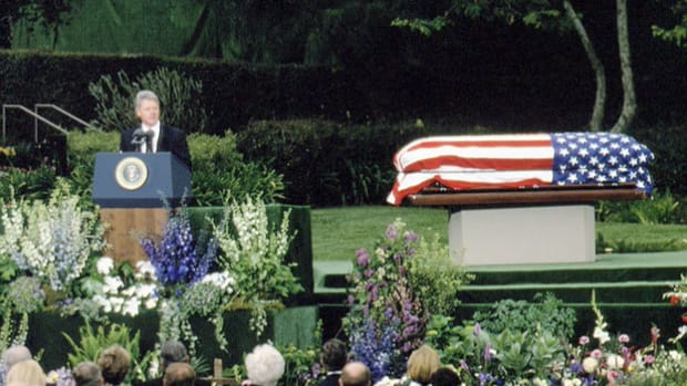 On April 22, 1994, former President Richard Nixon died in New York City of complications resulting from a stroke he suffered three days earlier. President Bill Clinton eulogizes the former U.S. president.