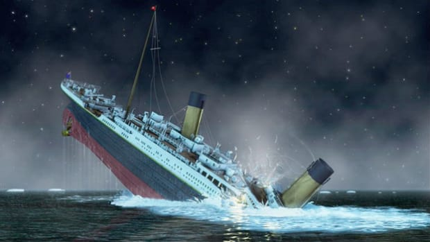 In 1935, a survivor of Titanic recounts his experience aboard the doomed ship. On its maiden voyage from Southampton, England, to New York City, RMS Titanic struck an iceberg and sunk off the coast of Newfoundland on April 12, 1912, killing more than 1,500 passengers.