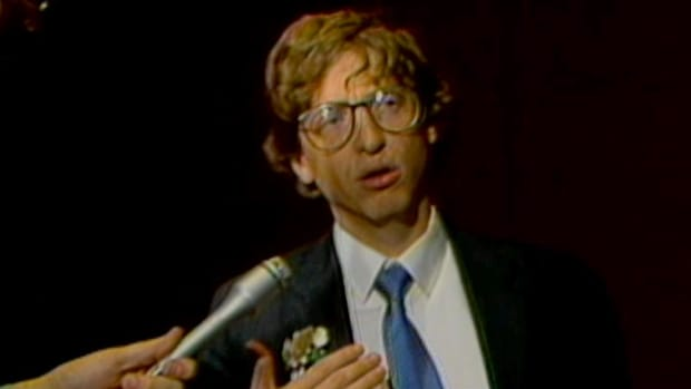 "History Uncut  The History Channel: 1987 - A young Gates, donned with oversized glasses that refuse to stay in place, answers questions from the press about his dazzling new software Microsoft Excel, which ""really improves the quality of your output."" This video clip is courtesy of The History Channel."