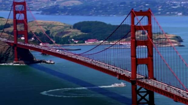Get the facts about one of the world's most beautiful bridges.