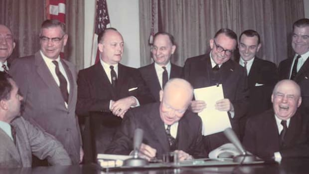 On January 3, 1959, President Eisenhower presides over the ceremony welcoming the territory of Alaska into the Union as the 49th and largest state.