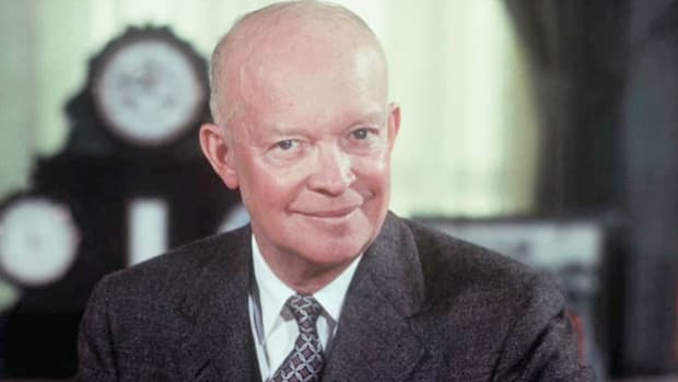 On May 1, 1960, an American U-2 high-altitude reconnaissance aircraft was shot down over central Russia. As a result, the Paris Summit Conference, scheduled 13 days later, collapsed. Upon his return from the failed conference on May 20, President Eisenhower addresses the welcoming crowd at Andrews Air Force Base.