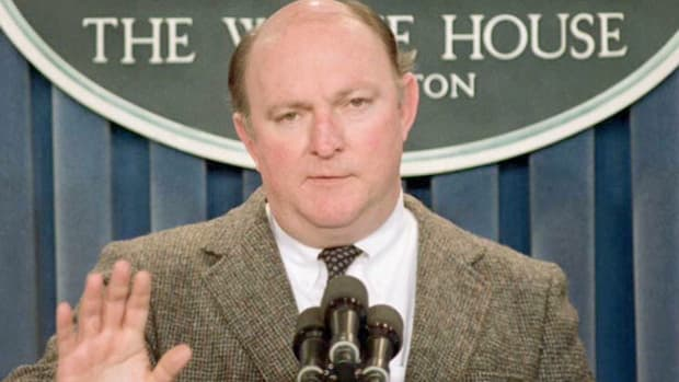 On December 20, 1989, White House Press Secretary Marlin Fitzwater informs the American people of President George H.W. Bush's order for a U.S. military invasion of Panama in an attempt to overthrow Manuel Noriega.