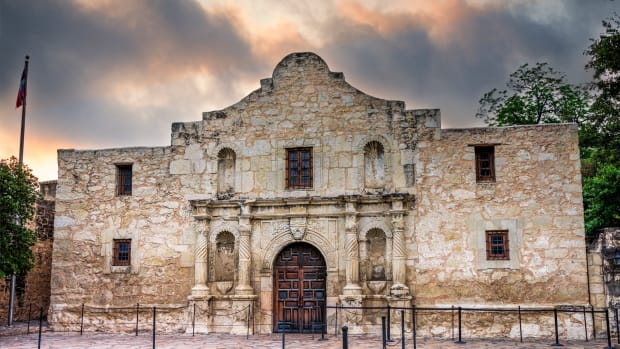ask-alamo-survivor-istock_000024609914large-2