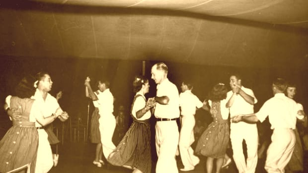 hith-square-dancing-2